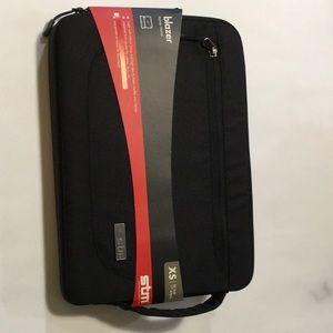 "NEW STM Blazer 11"" Laptop Sleeve - Black"